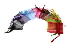 Kleurenpakket 15 stuks organza zakjes 7.5 x 10 cm