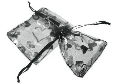 Organza zakje zwart met zilveren hartje print