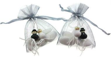 Huwelijksbedankje gelukspoppetjes bruidspaar met bruidsuiker